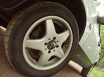 диски Stilauto покрышки Michelin Pilot Exalto размером 185/60