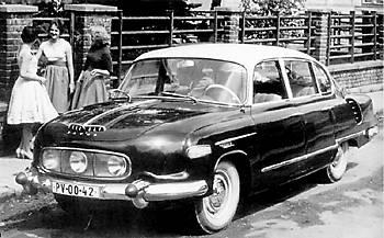 Tatra T603 в классическом исполнении с 3-я фарами