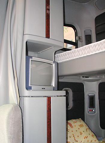 Тест-драйв Freightliner FLC120