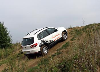 Тест-драйв VW Tiguan на крутом подъеме