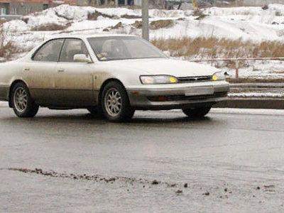 грязные и все еще скользкие дороги
