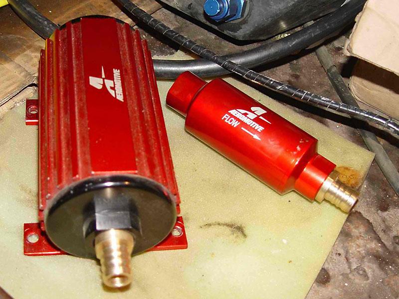 Насос Aeromotive A1000, фильтр и модернизированный регулятор давления топлива Aeromotive