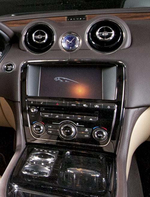 центральная консоль Jaguar XJ