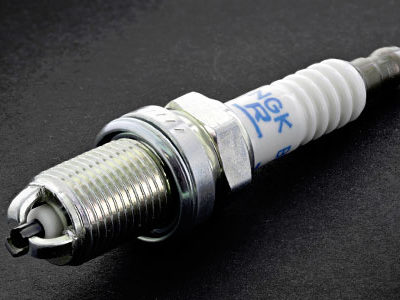 Свечи зажигания для 3,2-литрового двигателя SsangYong модели M162E32