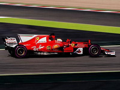 NGK Spark Plug в 22-й раз стала поставщиком гоночной команды Scuderia Ferrari