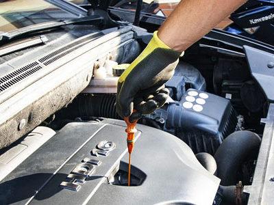 Как правильно определить уровень масла в двигателе